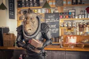 Fugitive-of-the-Judoon-2
